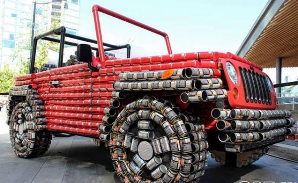 ساخت جیپ با استفاده از 4500 قوطی کنسرو